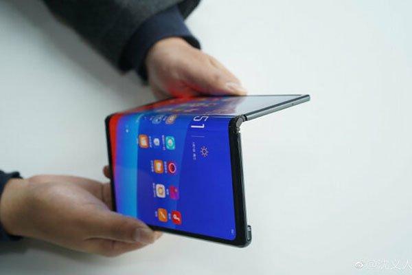 تکنولوژی های برتر 30 سال آینده گوشیهای تاشو